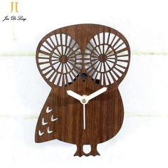 *Symbol of good luck Owl Wall Clock  Imitation Wood Wall Clock  Mute Sweep The Stopwatch Wall Clock  Forest Animal Style