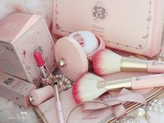 Etoinette make up set. Pretty package with soft color.