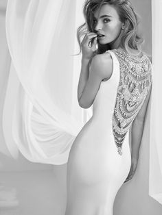 It's no secret that we are big fans of Pronovias here at AislePerfect. One of the world's leading bridal brands, based in Barcelona, Pronovias consistently brings it with high fashion, Wedding Dresses 2018, Elegant Wedding Dress, Bridal Dresses, Vestido Convertible, Glamour, Moda Fashion, High Fashion, Bridal Boutique, Dream Dress