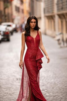 Red Formal/Prom Gown - Alamour The Label Red Glitter Dress, Black Mermaid Dress, Ball Dresses, Summer Dresses, Wine Red Dress, Hollywood Dress, Haute Couture Dresses, Mermaid Evening Dresses, Special Occasion Dresses