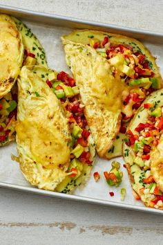 Baked avocado omelet - Baked avocado omelet Informations About Überbackenes Avocado-Omelett Pin You can easily use my prof - Baked Avocado, Avocado Recipes, Avocado Toast, Salad Recipes, Diet Recipes, Healthy Recipes, Avocado Nutrition, Avocado Health Benefits, Diet And Nutrition