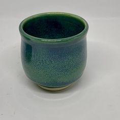 Seaweed over Rainforest Glazes For Pottery, Ceramic Pottery, Pottery Art, Ceramic Art, Pottery Ideas, Amaco Glazes, Ceramic Glaze Recipes, Glazing Techniques, Pottery Studio