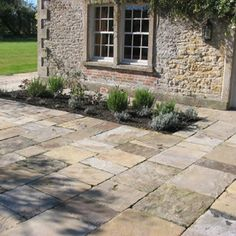 Antique Yorkstone is a reclaimed traditional English flagstone. It is frost resistant and can be used in any external areas. Small Backyard Patio, Backyard Patio Designs, Backyard Landscaping, Backyard Decorations, Patio Ideas, Flagstone Patio, Concrete Patio, Cottage Patio, Outdoor Stone