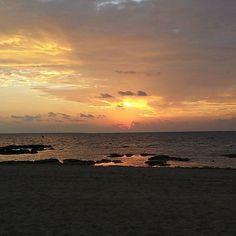 【naoskywalker】さんのInstagramをピンしています。 《美しい朝焼け🌅 ☕を飲みながら😌✨✨✨ #朝焼け #nofilter📷 #sky #sunrise #雲 #空 #朝 #morning #日の出 #cloud #太陽 #風景 #おはよう #morningglow #japan #夜明け #goodmorning #clouds #sun #海 #朝日 #igで繋がる空 #landscape #無加工 #sunshine #sea #morningsun #beautiful #instasky #risingsun》