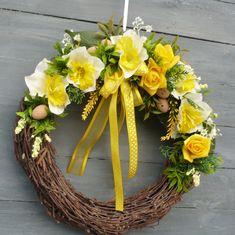 Grapevine Wreath, Grape Vines, Floral Arrangements, Diy And Crafts, Wreaths, Minion, Spring, Home Decor, Art