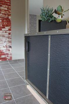 Rénovation et décoration à Lamballe (auto-école), décoration industrielle, meuble sur mesure, mur briques,