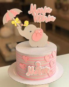 A imagem pode conter: comida Diy Cake Topper, Cake Toppers, Brithday Cake, Ballerina Cakes, Elephant Party, Basic Cake, Little Cakes, Bakery Cakes, Drip Cakes