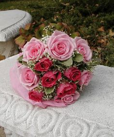 Elegant Two Tone Pink Bridal Bouquet 24 Fully Bloomed Premium Roses With Baby's Breath & Huckleberry Leaves