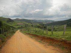 Estrada para a  cidade de Bueno Brandão - Minas Gerais - Brasil
