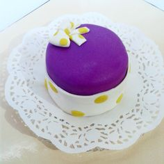 Dilim pastalar çok sıradan ve dilimlemesi zor diyorsanız, tek kişilik mini pastamız ile kolay ve şık sunum yapabilirsiniz. Bilgi ve sipariş için: mucizetatlarbutikpasta@gmail.com
