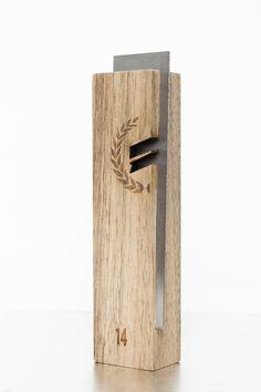 David Beltramelli // Trophée Festivals-Awards 2014 ©Studio 5.56 - Julien Malabry Réalisation: Menuiserie Coincenot et CAS2M (gravure) trophée / design / bois / aluminium / objet / product / trophy