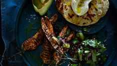 Soft flour tortilla with bbq chipotle chicken and a lime and black bean salsa recipe : SBS Food Entree Recipes, Side Dish Recipes, Wine Recipes, Thai Recipes, Chicken Lunch Recipes, Chicken Menu, Crab Dishes, Food Dishes, Recipe For Fish And Chips