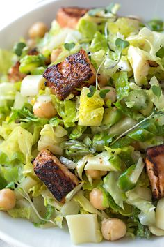 Clean eating is made simple with this heart-healthy, seasonally inspired grilled salmon chopped salad, tossed with a refreshing citrus vinaigrette. Salad Recipes For Dinner, Salad Dressing Recipes, Lunch Recipes, Seafood Recipes, Gourmet Recipes, Healthy Recipes, Italian Chopped Salad, Citrus Vinaigrette, Salmon Salad
