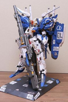 Gundam Papercraft, Marine Corps, Projects To Try, Paper Crafts, Anime, Decor, Diy, Cardboard Car, Decoration