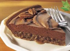 HERSHEY'S Chocolate Mousse and Praline Pie