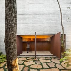 Photos by Fernando Guerra via Designboom. This modern house in São Paulo, Brazil, a design by the local architecture firm Studio by architect Marcio Kogan—clocks in at an. Arched Doors, Windows And Doors, Contemporary Architecture, Architecture Details, Interior Architecture, Natural Architecture, Condo Design, House Design, Studio Mk27