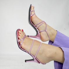 5127e8fbbf67 611 Best Shoes images in 2019