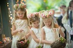 Resultado de imagem para coroa flores amarelas cabelo daminha