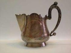 SAHNEGIESSER MIT MONOGRAMM Bronze, Antiques, Gold Paint, Monogram, Antiquities, Antique, Old Stuff
