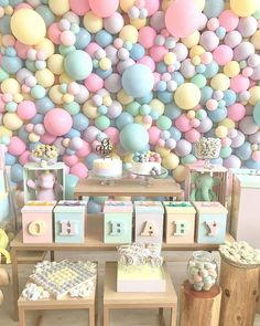 Gender Reveal Party Decorations, Birthday Balloon Decorations, Baby Gender Reveal Party, Baby Shower Decorations, Balloon Wall, Balloon Garland, Baby Shower Balloons, Baby Shower Parties, Baby Birthday