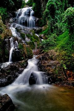 Go on a hike through Koh Samui jungle to discover beautiful - Na Muang Waterfall Thailand Koh Samui Thailand, Ko Samui, Phuket, Thailand Adventure, Thailand Travel, In China, Places To Travel, Places To See, Franz Lehar