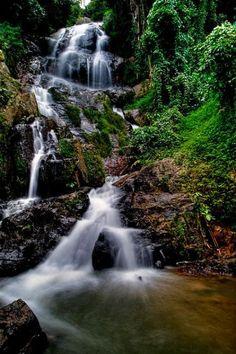 Go on a hike through Koh Samui jungle to discover beautiful #waterfalls - Na Muang Waterfall #kohsamui #vikasayoga
