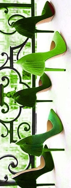 There's something very retro about these delicious shades of green and the tassels - ooh la la!