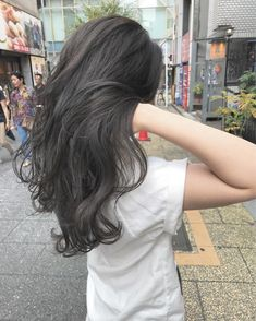ダークグレー!! 元々ブリーチ毛のお客様です!! 透明感ばつぐん! |Aust hair Stella所属・moeRi.Nのヘアカタログ|好みのスタイルやデザインを見つけたら即予約!「なりたい自分」を叶えてくれる美容師を探せます!