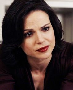 """Regina Mills in """"Welcome to Storybrooke"""", OUAT 2x17"""