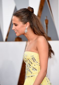 Alicia Vikander's Half-up Top Knot was an #Oscars2016 hit. Here's how-to create it at home