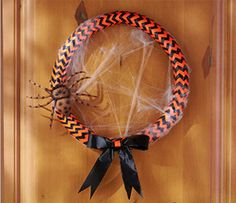 This festive #Halloween #wreath is made of foam pipe insulation and duct tape!