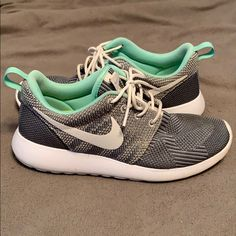 bb433ae3525e 16 Awesome Roshe iD images