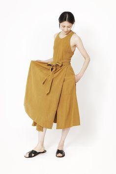 Black Crane Wrap Dress (Gold)