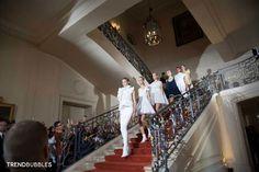 De prachtige Nederlandse ambassade in Parijs –hier werd de film 'Intouchables' opgenomen– was deze keer het decor voor de sprankelende fashion show van het Nederlandse ontwerpers duo Viktor & Rolf die hun voorjaars- en zomercollectie 2015 presenteerden.  Read more http://trendbubbles.nl/viktor-rolf-paris-fashion-week-ss15-vrolijk-sportief/ #viktorandrolf #ss15 #paris