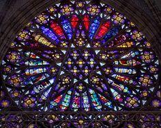 Rosace nord de l'Abbatiale Saint-Ouen. Photo: Frédéric Bisson.