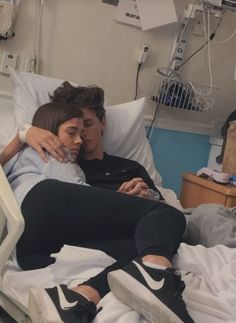 Relationship Goals & Relationship Goals 40 Couple goals Pics & bucket list for 2020 that'll make you believe in fairy tales – Hike n Dip Cute Couples Beaux Couples, Cute Couples Photos, Cute Couple Pictures, Cute Couples Goals, Freaky Pictures, Couple Ideas, Couple Stuff, Love Pics, Cute Couple Things