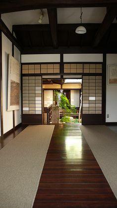 Floor design: Carpet + wood panel Nara - Koshi-no-ie House (2)