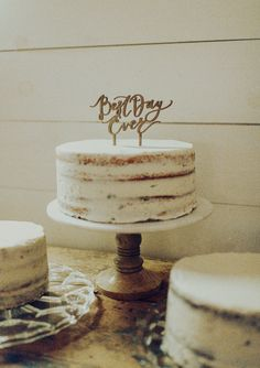Taking place at the Contigo Ranch in the Texas Hill Country, this amazing outdoor wedding perfectly combines a backyard feel while adding chic details that are just so lovely! From the photographer: Sarah & Keeley's Rustic-Chic Wedding in the quaint Texas town of Fredericksburg was filled with intentional details, an incredible vendor team, and thoughtful touches that made the day what it was. Wedding Cake Rustic, Farm Wedding, Chic Wedding, Wedding Cakes, Texas Hill Country, Wedding Rentals, Signature Cocktail, Rustic Chic, Real Weddings