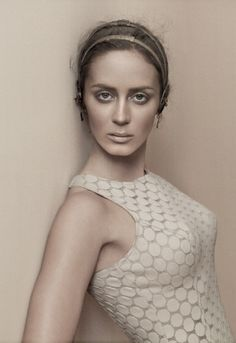 Whoever said neutrals are boring hasn't seen these photos! Emily Blunt posed for the LA Times Magazine, eschewing color and going with fierce earth-toned makeup. And while I'm not usually a fan of skin-toned clothing, this works. Do you love? Oh, check out more super-hot Emily photos, after the jump…