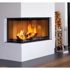De #Helex Sera Front 100 is de eerste #inbouwhaard van Helex met een liftdeursysteem. De Helex Sera Front 100 beschikt over een ingenieus schuifruif systeem met afneembare greep, waarbij voor reiniging het glas van de ruit gekanteld kan worden. #Fireplace #Fireplaces #Houthaard #Houtkachel #Interieur #Kampen