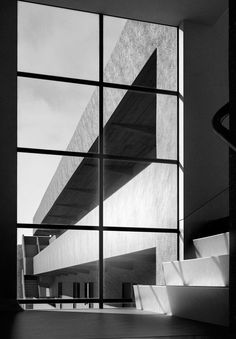 Isokon Flats, Lawn Road, Belsize Park, London by Wells Coates. Sustainable Architecture, Architecture Details, Interior Architecture, Classical Architecture, Landscape Architecture, Mondrian, Streamline Moderne, Art Deco, Walter Gropius