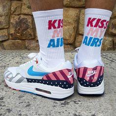 "newest bd763 6349c Loversneakers on Instagram  ""Calcetines Kiss My Airs x Loversneakers Sz  Wmns   Man Precio  12€ (Spain   Portugal Envíos Gratis a Partir de 99€) ..."