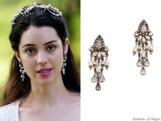"In episodes 2x21 (""The Siege""), 2x22 (""Burn"") and in the new promo for season 3, Queen Mary wears these Erickson Beamon Crystal Teardrop Earrings."