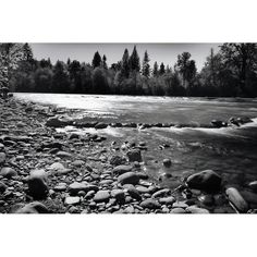 #nwadventurephoto #neverstopexploring #trynewthings #blackandwhite #river #oregonexplored #exploreyourstate #Godcreation #hiking #santiamriver #cascadiaexplored #pnwonderland #oregon #bofo1k #explorenature #nature #речка #чернобелое. Just try b&w photo. by alexzphotos