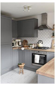 Farmhouse Kitchen Cabinets, Kitchen Cabinet Design, Kitchen Interior, New Kitchen, Kitchen Decor, Oak Wood Kitchen Worktops, Kitchen Corner Cupboard, Oak Worktops, Kitchen Wood