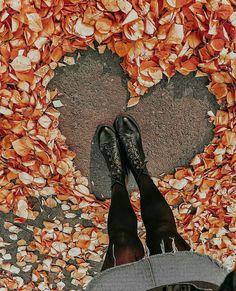 (notitle) - Fotos - - Do It YourSelf Autumn Photography, Creative Photography, Amazing Photography, Portrait Photography, Photography Aesthetic, Portrait Art, Days Until Halloween, Fall Halloween, Shotting Photo