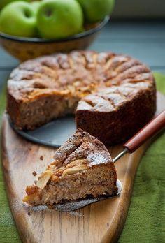 Deliciosa tarta de avena, manzana y canela,  sin azúcar.