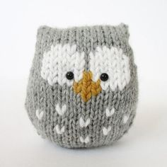 This a simple to knit owl. It is knitted in one piece, and there is no tricky colour-work as the eyes and beak are added after knitting using Swiss Darning (or duplicate stitch) embroidery.THE PATTERN INCLUDES: Row numbers for each step so you don't lose your place, instructions for making the owl plus photos, a chart to show the colour pattern, a list of abbreviations and explanation of some techniques, a materials list and recommended yarns. TECHNIQUES: All pieces are knitted...
