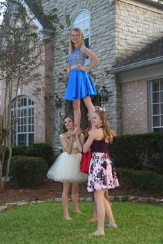you actually a cheerleader if you went to hoco without taking a stunting pic?Are you actually a cheerleader if you went to hoco without taking a stunting pic? Cool Cheer Stunts, Cheer Tryouts, Cheerleading Pictures, Easy Cheerleading Stunts, Team Cheer, Cheerleading Cheers, School Cheerleading, Cheerleading Outfits, Cheer Couples