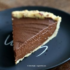 Vegan Chocolate Pumpkin Pie with Almond Crust | Vegan Richa
